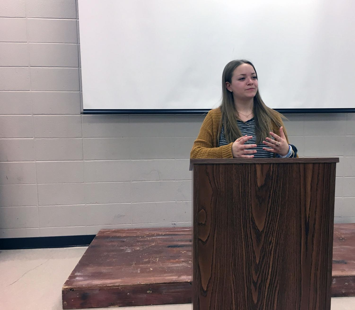 Sophomore Ali Suhr delivers a speech in Mr. Arnold's 7th period class.